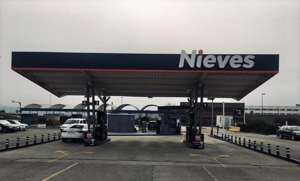 Foto de Nueva Estación de Servicio Nieves Esparreguera Camí Ral