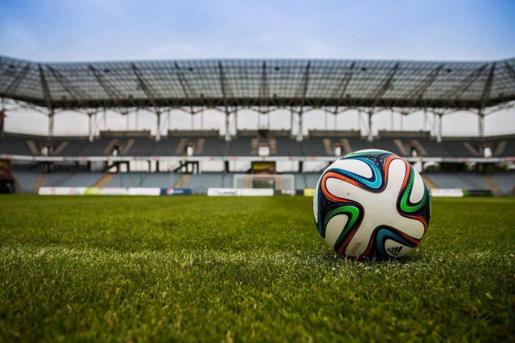 Foto de fútbol y covid