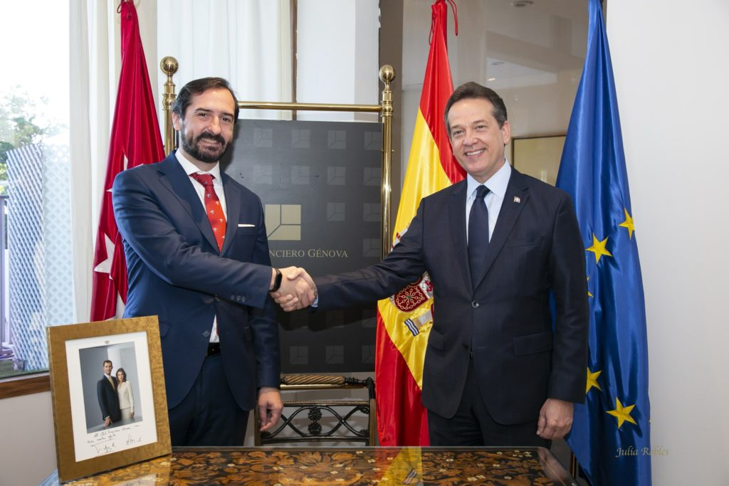 Foto de Arturo de las Heras y Víctor O. Bisonó Haza