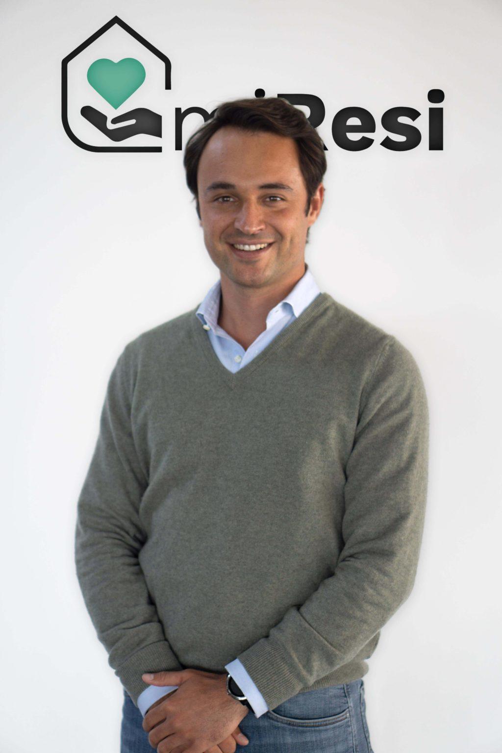 Foto de Pablo Otero, joven empresario, es el fundador de miResi.